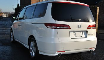 Honda Elysion 8 Seater full